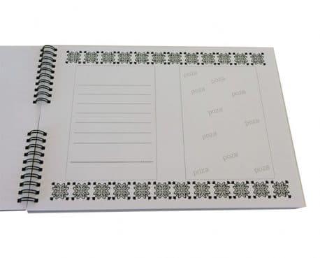 Carte de oaspeti pentru invitatii la nunta, personalizata, gravata cu numele mirilor si data nuntii.